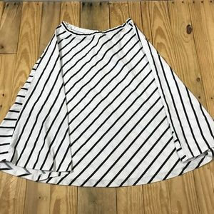 B Lauren Ralph midi flare Flowy skirt stripes